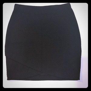 Black stretchy skirt.